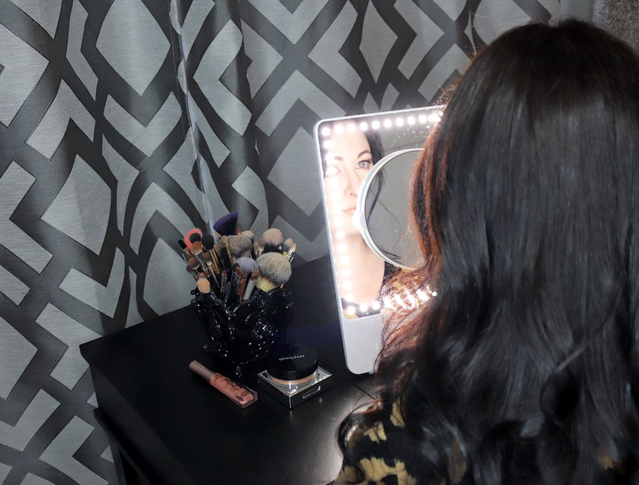 Glamcor Riki Skinny Lighted Mirror Review