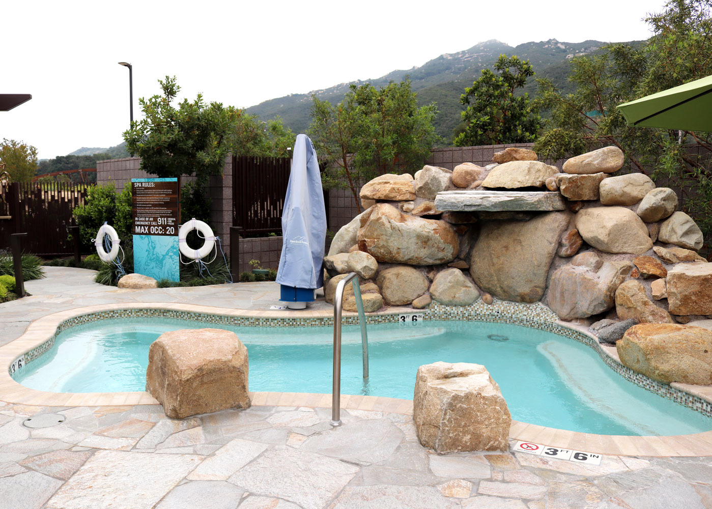 Spa Pechanga Outdoor Hot Tub