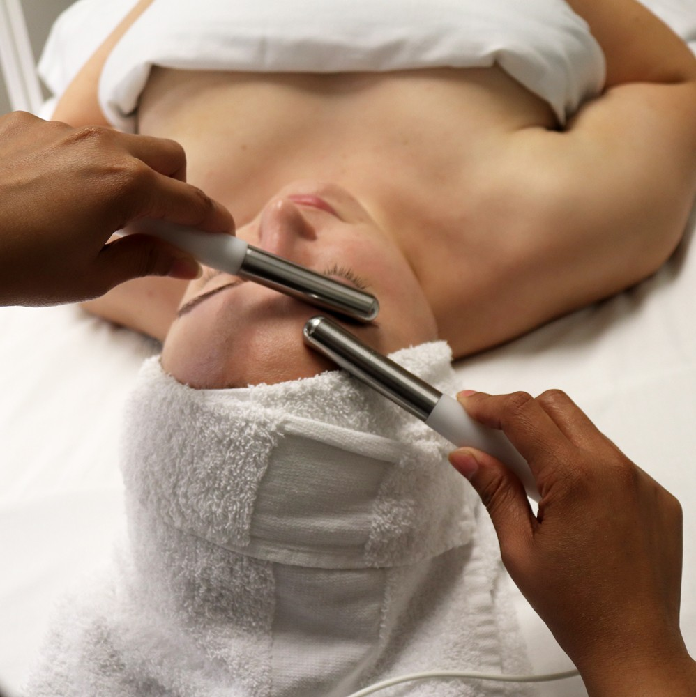 Verabella Spa 90 Minute Lift and Glow Treatment Facial with MicroCurrent Lift